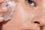 Bí quyết căng da mặt từ đá viên